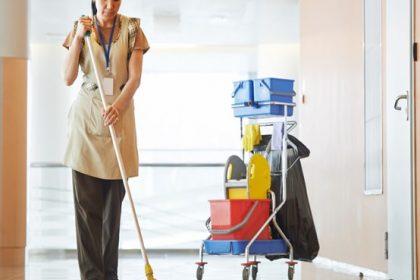 Service de nettoyage et désinfection des toilettes à Montréal, Longueuil, Laval, Québec et Lévis